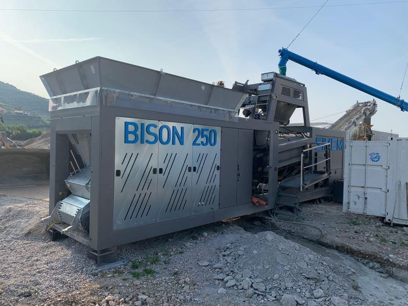 Simem super mobile batching plant Bison